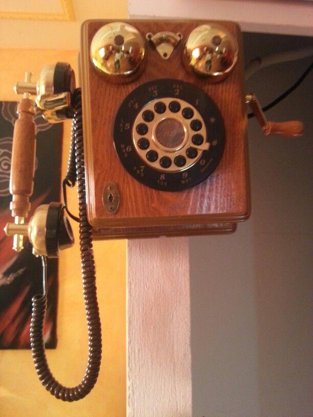 Teléfono de pared 005