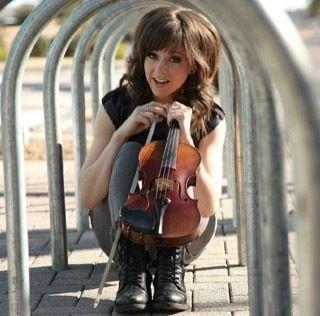 Lindsey Stirling!! Love her hair :)