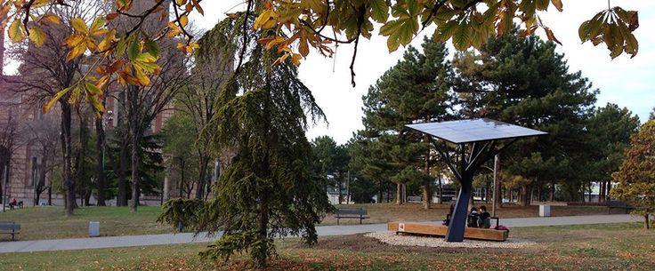 Mobile phone charging station / solar - TREE - Strawberry Energy