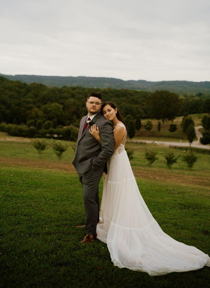 bride groom photo howe farm tennessee wedding photos photographer mountain bride…