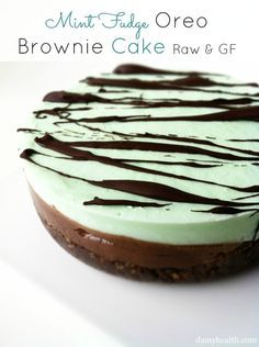 Mint Fudge Oreo Cake -This recipe is no-bake, vegan, raw, gluten free and mint oreo made healthy. #vegan #Raw