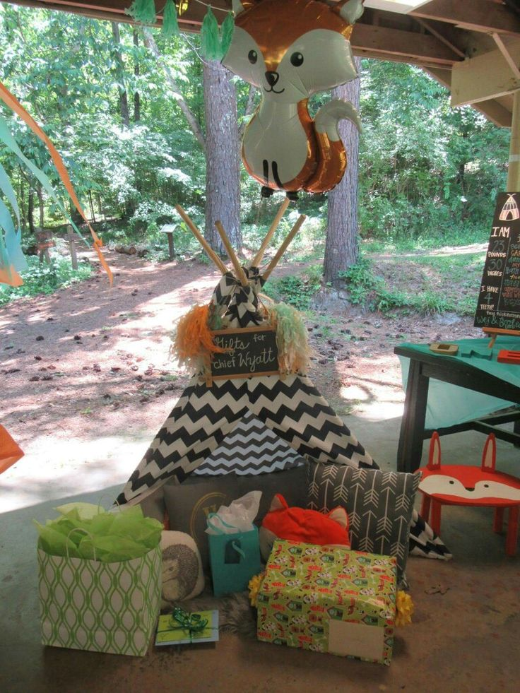 First birthday party. Woodland Onederland. First Powow. Teepee. Little Fox.