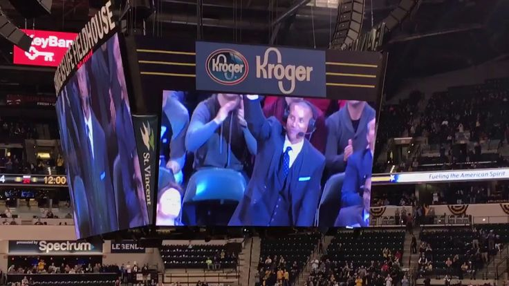 Watch: Pacers fans give Reggie Miller standing ovation