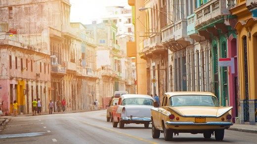 The colorful streets of Cuba #Caribbean #kilroy #travel