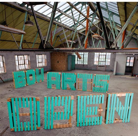 Giant letters made from pallets! via style/swoon blog