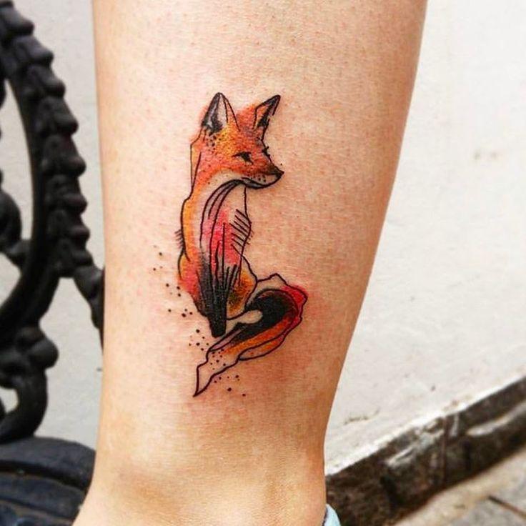 Por Teena Leite #tattoo #tatuagem #line #tatuagemdelicada #tatuagemfeminina #feminina #gato #cat #fox #raposa #watercolor #aquarela #linhafina #fineline #ornamental #ornamentais #love #delicadas #femininas