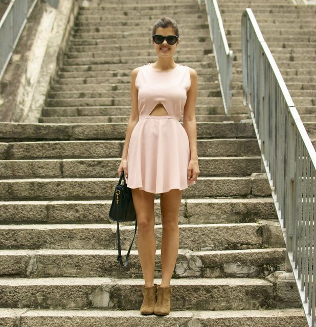 apairandaspairMinis Dresses, Cutout Dresses, Diy Cut, Diy Fashion, Mini Dresses, Carven Inspiration, Diy Clothing, Diy Carven, Cut Outs