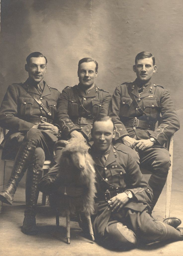 Sassoon and fellow Officers