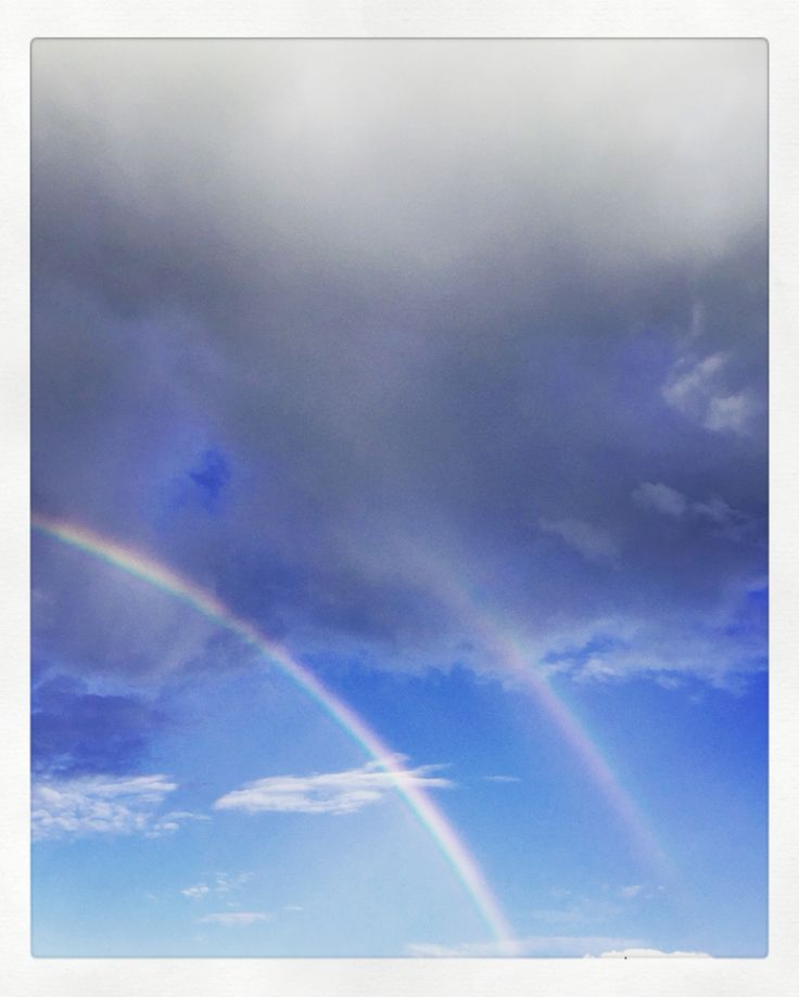 🇮🇹Alza gli occhi al cielo, non troverai mai arcobaleni se guardi in basso \|\ 🇺🇸You'll never #find a #rainbow if you're #looking down [Charlie Chaplin - 1969]🌦🌈☀️🌈 🌥 #walk #twins #sky #clouds #horizon #view #travel #landscape #painting #picture #weather #nature #traveling #mothernature #life #living #goodlife #goodtimes #paint #colorful #livingthedream #lifeisgood #colour #photooftheday #skyporn #cloudporn #italy