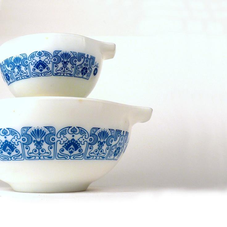 Vintage Kitchen Bowls: Vintage Pyrex Mixing Bowls Retro Horizon Blue Oven Ware