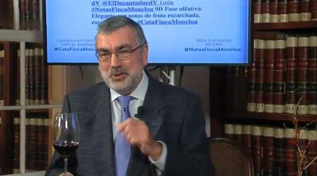 Uno de nuestros tweets leído en directo por Alfredo García González-Gordon en un momento de la cata de Finca Moncloa.