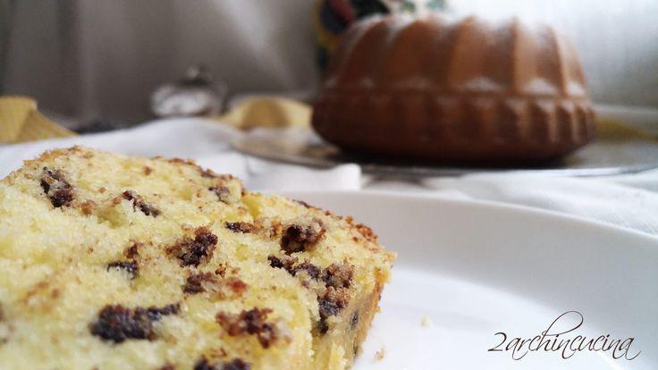 Ciambella al mascarpone e gocce di cioccolato Bundt cake whit chocolate chips