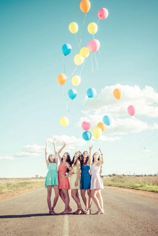 Wir sollten uns auch ein paar Luftballons holen...bei Budelmann kann man sich welche mit Helium füllen lassen...