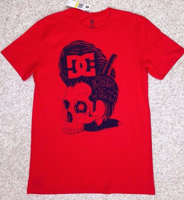 new$22 DC SHOE COMPANY TEE Red&Navy Skull Pompadour Hair/Wig Comb Elvis MENS MED #DCShoes #GraphicTee