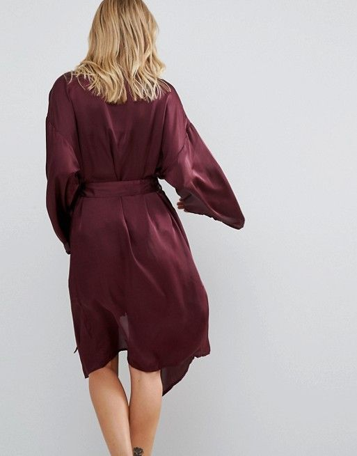 http://www.asos.fr/vero-moda/vero-moda-maxi-pyjama-kimono/prd/7185652?iid=7185652