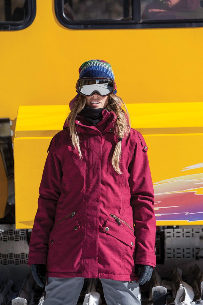 Olympic Gold Medalist Torah Bright in Aspen, Colorado. Watch the entire #SurfToSnow Roxy & @Olay Fresh Effects series
