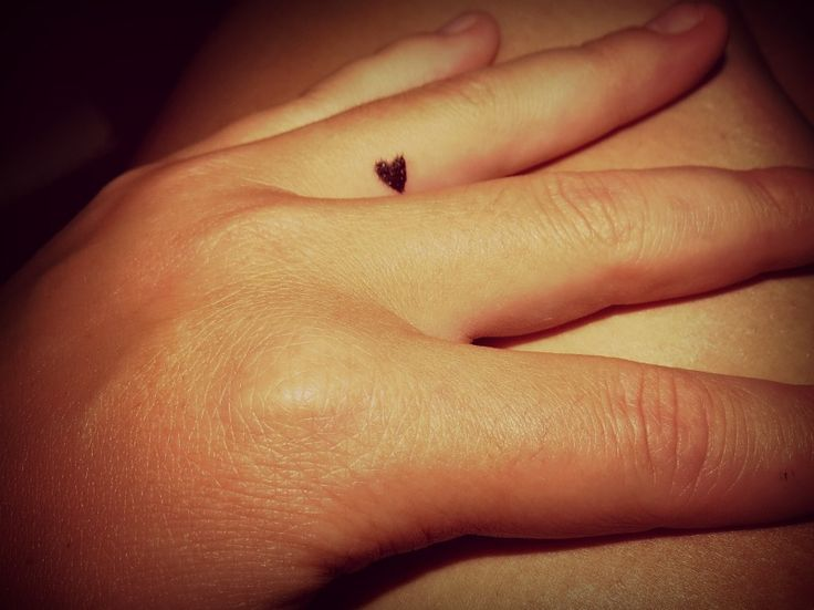 1000+ Ideas About Ring Finger Tattoos On Pinterest