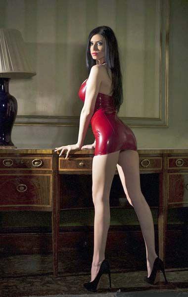 social dominatrix rött hår