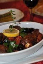 Este sezonul vanatoarei si v-am pregatit o delicioasa reteta cu carne de cerb. Sosul vanatoresc, cu arome puternice de vin rosu, plante ...