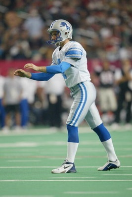 ATLANTA - DECEMBER 22: Jason Hanson #4 of the Detroit Lions prepares to kick during the NFL game against the Atlanta Falcons at the Georgia Dome on December 22, 2002 in Atlanta, Georgia. The Falcons defeated the Lions 36-15. (Photo by Jamie Squire/Getty