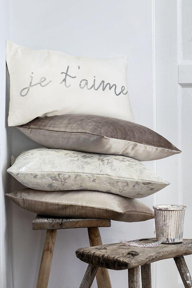 #inspiration #inspiratie #sfeervol #kussen #sierkussens #cushion #hm #cozy #bedroom #wonen #living
