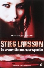 De vrouw die met vuur speelde - Stieg Larsson - misdaadroman - Deel 2 - Millennium Trilogie