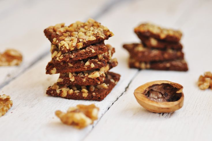 Anja's Food 4 Thought: Chocolate Walnut Crispy Cookies