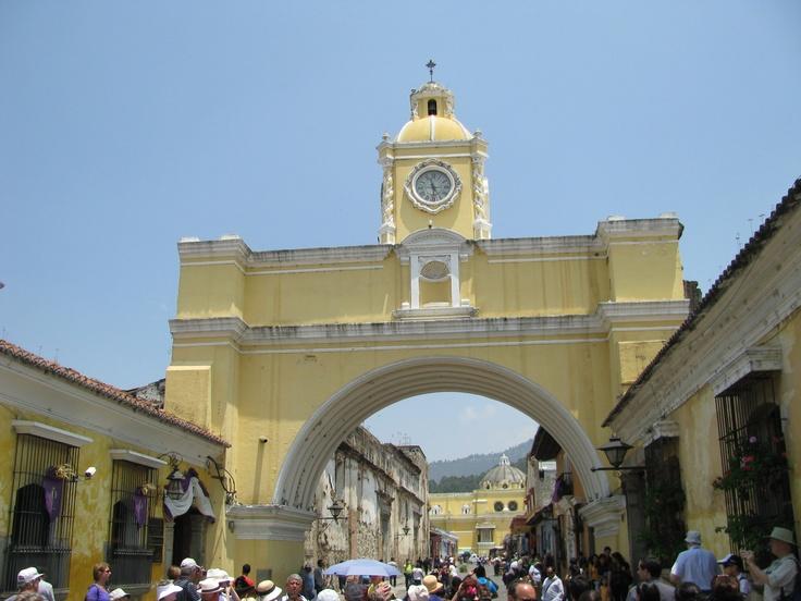 Clasico Arco de la Antigua Guatemala