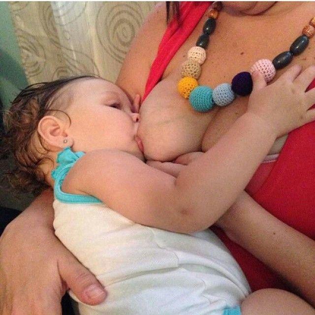 Por qué collares de lactancia???.... Siempre nos.preguntan, cómo es eso de que estos collares son de lactancia? Bueno, en ese sentido les contamos que son collares de lactancia, porque están hechos a mano, cuidadosamente con colores atractivos para los bebés, se utilizan.diferentes texturas que buscan estimular sus sentidos, y además son seguros y su protección de algodón hace que sean agradables al tacto de nuestros bebés... A los chiquitos les encanta y se entretienen mucho con.ellos al…