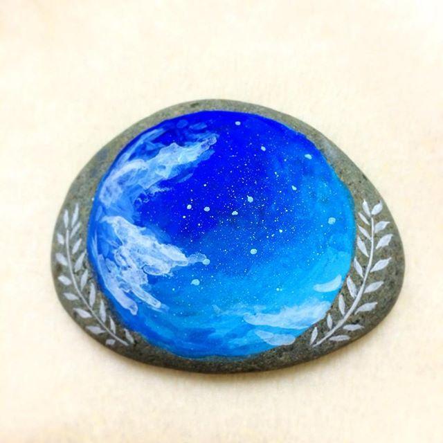 #空 #青 #絵 #イラスト #小石 #石 #石ころ #石ころアート #アクリル絵の具 #ペイント #ハンドメイド  #sky #blue #art #paint #painting #acrylic #acrylicpaint #acrylicpainting #stone #stoneart #stonepainting #paintedstone #rockart #tasboyama