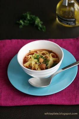 White Plate - Zupa z ciecierzycy i pomidorów