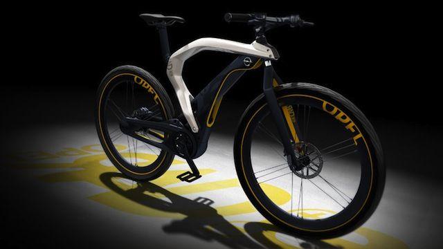 """Come per altre case automobilistiche, é stato presentato al salone Ginevra 2012 anche da Opel il suo modello di bicicletta elettrica. Si chiama """"RAD e"""" ed é una pedelec costruita con i criteri produttivi automobilistici. Il telaio a forma di..."""