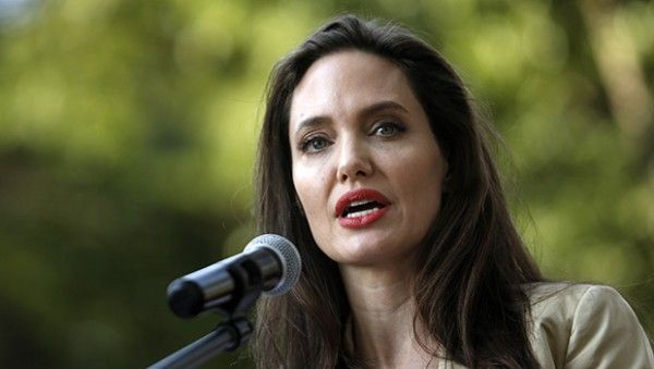 https://www.biphoo.com/celebrity/angelina-jolie/news/angelina-jolie-addresses-sexual-assault-in-hollywood-this-behavior-is-unacceptable