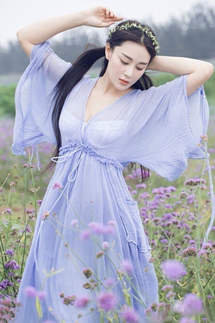 Xin Zhang, mainland popular model, film and television star.