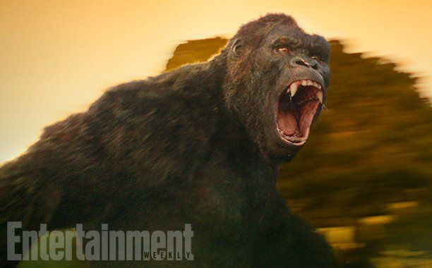 Warner Bros. and Legendary have debuted (via EW) the first look at the new King Kong from the upcoming Kong: Skull Island that stars Tom Hiddleston.