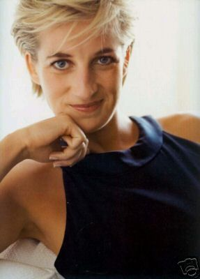 Another rare photo in black and white « All Things Princess Diana