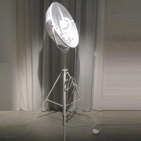Una lampada da terra davvero originale, non trovate? E' in offerta sul nostro outlet, il più grande d'Italia! http://www.outletarredamento.it/illuminazione/pallucco-lampada-fortuny-petit.html  #offerteoutlet #outletarredamento #lampade