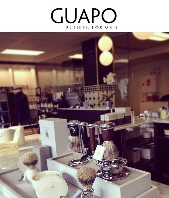 Namnet GUAPO är ett spanskt uttryck för snygg/vacker man. Butiken grundades 2005 av Anneli och Anna, mor och dotter, med målsättningen att erbjuda männen ett större utbud av grooming produkter och accessoarer genom ett unikt butikskoncept, ett handplockat sortiment och med personlig service i fokus.