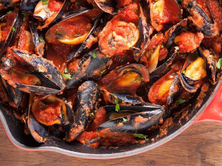 moules, poivron rouge, poivron, tomate, oignon, bouquet garni, huile d'olive, ail