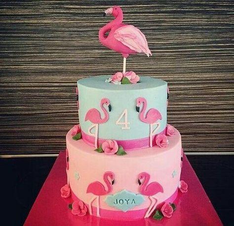 Gâteau d'anniversaire flamand rose