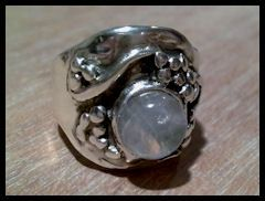 zilveren ring met maansteen