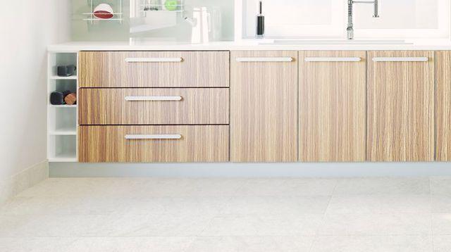Comment peindre le carrelage d'une cuisine ?