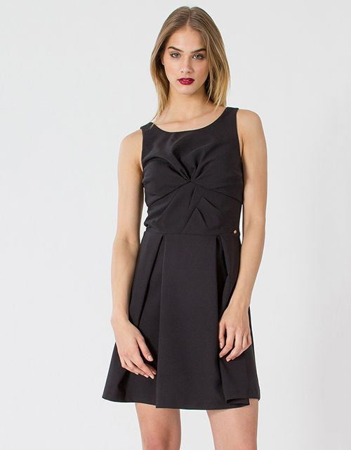Pleated dress with draped decoltage