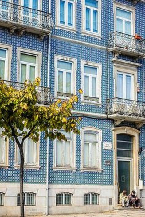 A portuguese window from Madragoa - Lisboa -Portugal Lisbon, Portugal - Kelly Chomat