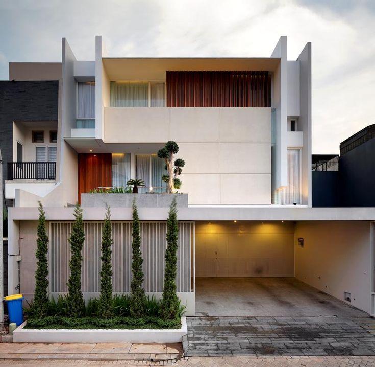 Leo House / Edha Architects