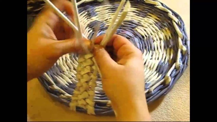 Weaving holders from newspapers. Part 3. There is the third part of the detailed tutorial by Elena Tischenko on weaving holders from newspapers added to the ...