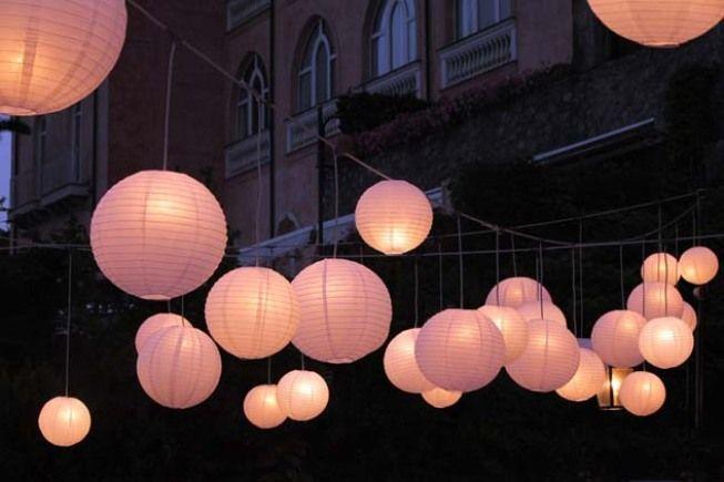 Paper lanterns for outdoor wedding reception http://www.weddingsontheamalficoast.com/ravello-wedding-jackie-constantin-sinagra.html