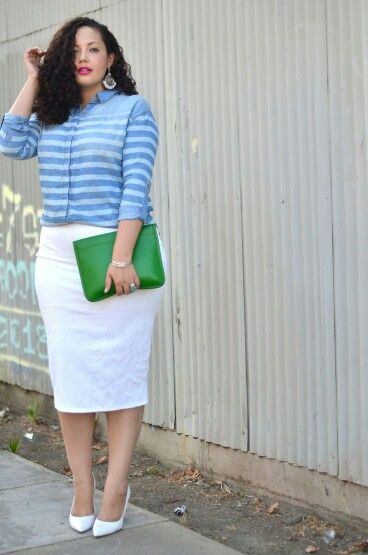 Love the fit of this blouse and the bold bag combo