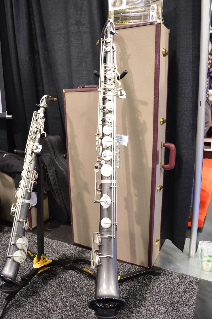 A straight alto and a straight tenor sax! That is so cool! I've never seen a straight tenor before!!