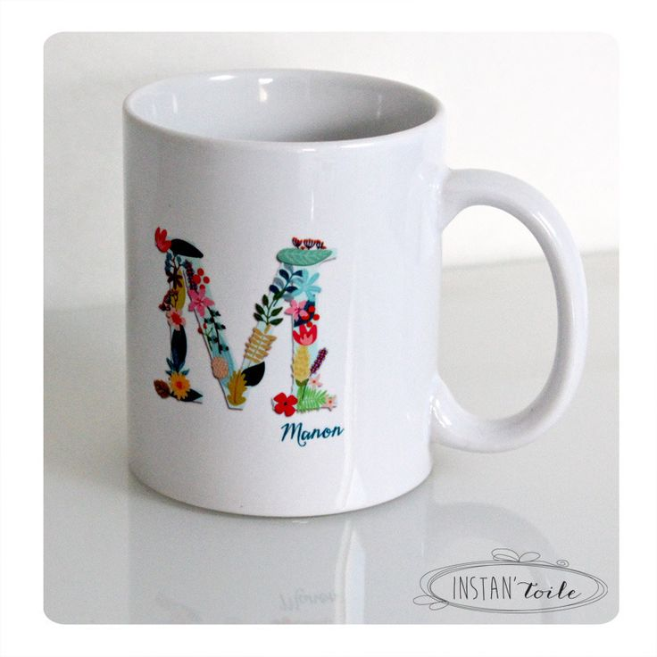 mug personnalisé initiale en motif floral - fleurs et feuilles -  prénom en bleu canard